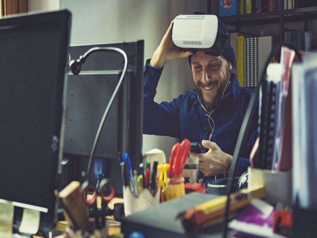 AR/VR Lisääntynyt todellisuus ja virtuaalinen todellisuus